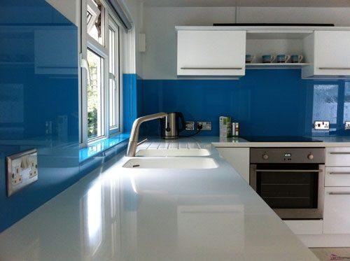 kinh op bep dep e1510028022650 - Kiếng ốp tường bếp đẹp, lắp đặt giá rẻ nhất 2021