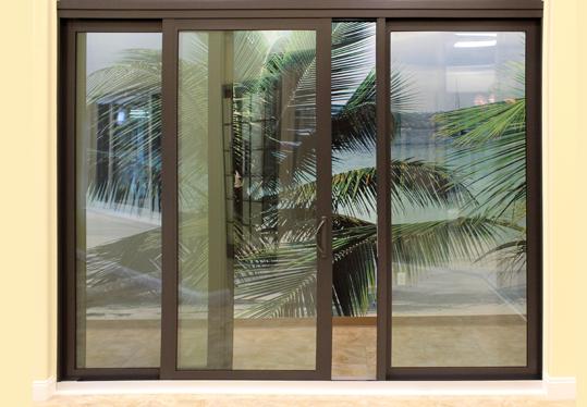 cuanhomkieng 02 500x375 e1546185675754 - Sửa chữa cửa nhôm kiếng giá rẻ tại Tphcm