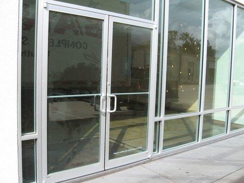 cuanhomkieng 500x375 - Sửa chữa cửa nhôm kiếng giá rẻ tại Tphcm