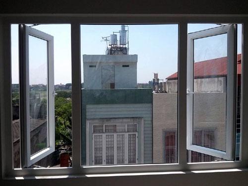 cua so quay ngoai - Một số mẫu cửa kính, cửa kiếng đẹp cho cửa sổ nhà bạn