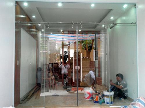 kieng cuong luc1 - Hướng dẫn cách lắp đặt cửa kiếng cường lực chi tiết