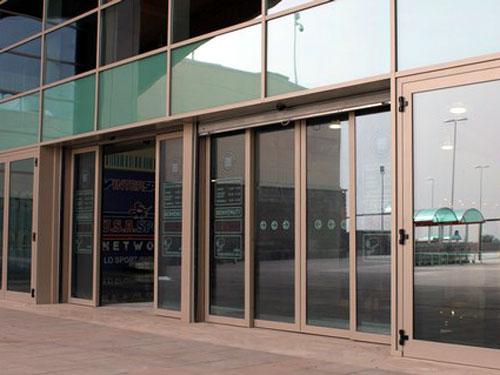cua nhom xingfa truot lua - Lắp đặt cửa kính trượt lùa 4 cánh giá rẻ tại Tphcm