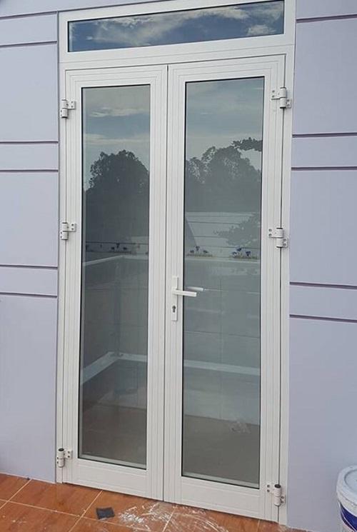 cua di nhom xingfa 2 canh - 50+ Mẫu cửa nhôm kính Xingfa 1 cánh, 2 cánh, 4 cánh đẹp 2021